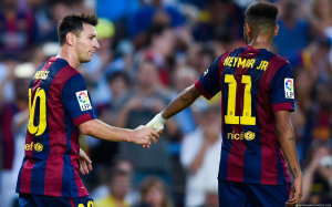 Neymar and Messi holding hands