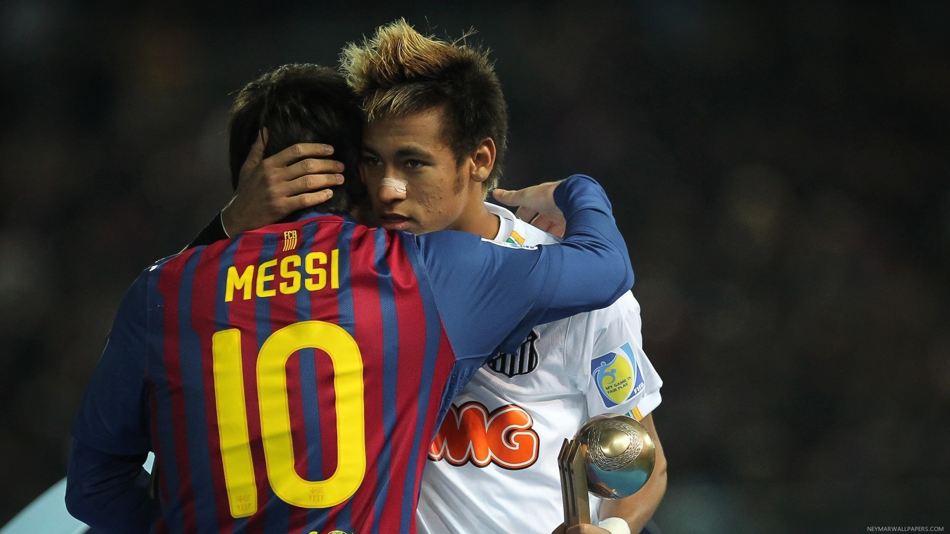 Neymar hugging Messi wallpaper (2)