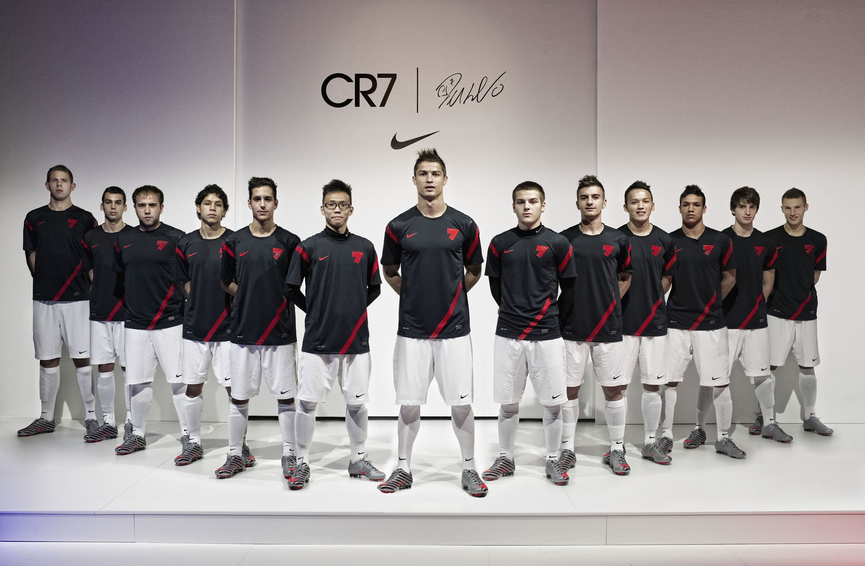 CR7 Nike Workout Squad Wallpaper